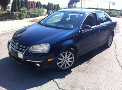 Photo 2006 VOLKSWAGEN JETTA 2.0T 4 CYLINDER . AUTO . RARE COLOR COMBO