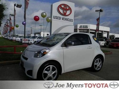 Photo 2012 Scion iQ Hatchback 2dr HB