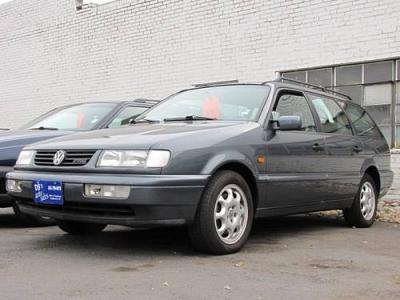 Photo 1997 Volkswagen Passat 4dr Car GLX
