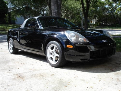 Photo 2000 BLACK TOYOTA SPYDER IN GREAT CONDITION