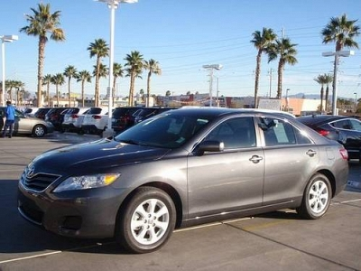 Photo 2010 Toyota Camry V6 LE 4D   Loaded,Leather,Low Miles,V6, AT,Warranty