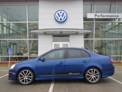 Photo 2010 Volkswagen Jetta Sedan TDI Cup Edition