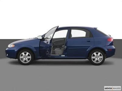 Photo 2005 Suzuki Reno Hatchback LX Hatchback