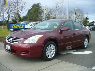 Photo 2010 Nissan Altima Sedan 2.5