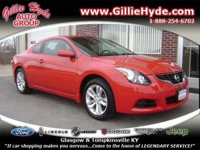 Photo 2010 Nissan Altima Coupe Coupe 2.5 S