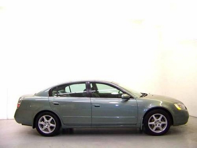 Photo 2002 Nissan Altima 4D Sedan 3.5 SE