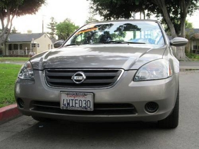 Photo 2002 Nissan Altima 2.5 S - Pewtersilver - Gray Interior - Automatic