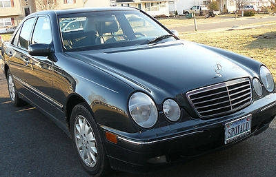 Photo 2002 Mercedes Benz E320 4 Matic AWD Clear Carfax