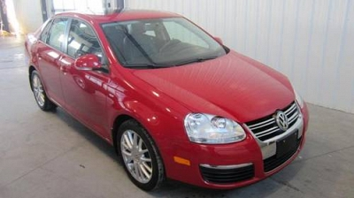 Photo 2009 Volkswagen Red Jetta With Power Sun Roof