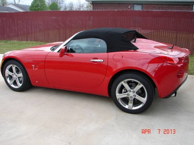 Photo 2009 Pontiac Solstice Roadster GXP Convertible - 0nly 2327 miles