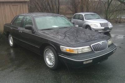 Photo 1996 Mercury Grand Marquis LS Sedan 4-Door 4.6L  LOW MILES 72,192