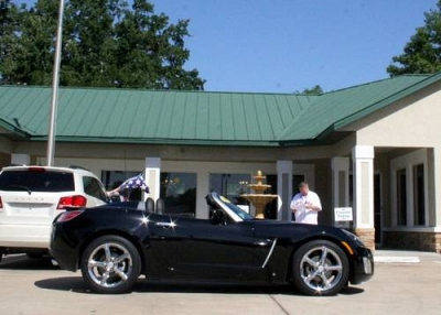 Photo 2008 Saturn Sky Coupe Red Line