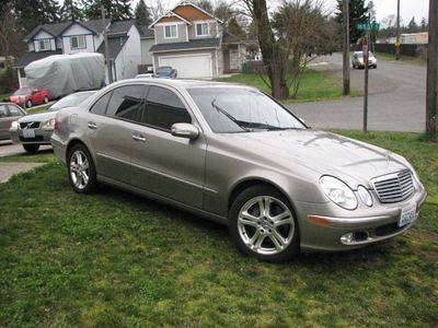 Photo 2005 Mercedes Benz e500 loaded, low mile only 38k