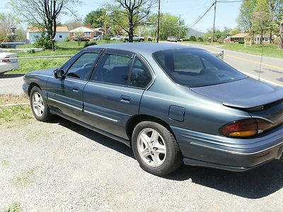 Photo 1998 Pontiac Bonneville SE Sedan 4-Door 3.8L