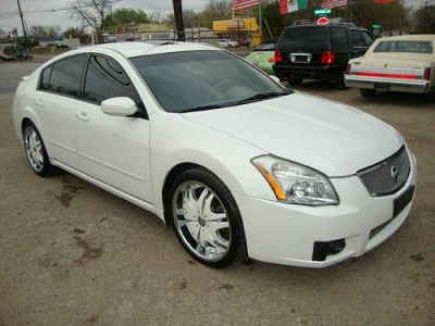Photo ALL APPROVED 2000 DOLLARS DOWN PAYMENT2008 NISSAN MAXIMA WHITE