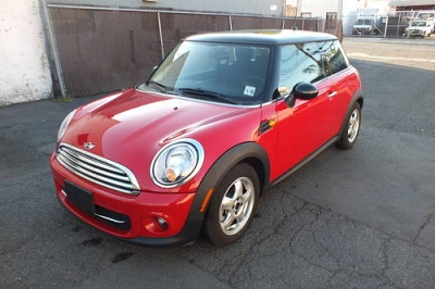 Photo 2011 Mini Cooper Auto, Sunroof ONLY 8550 miles- Red