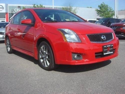 Photo 2012 Nissan Sentra 4dr Car 4dr Sdn I4 CVT SE-R Late Avail