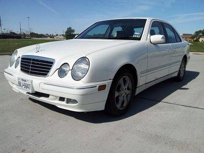 Photo 2002 Mercedes-Benz E320 Base Sedan 4-Door 3.2L