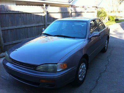 Photo 1995 TOYOTA CAMRY, 4 cyl