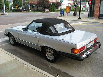 Photo 1982 Mercedes-Benz 380SL Base Convertible 2-Door 3.8L