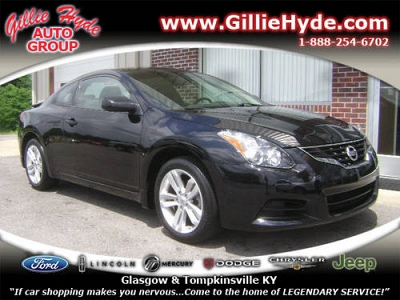 Photo 2010 Nissan Altima Coupe Coupe 2.5S