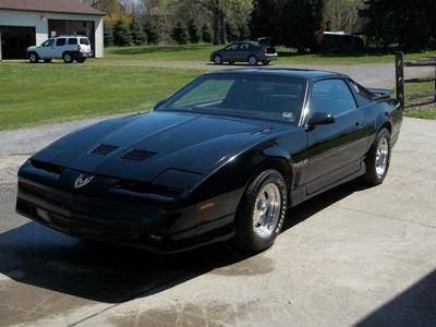 Photo 1986 Pontiac Firebird Trans Am Coupe 2-Door 5.0L