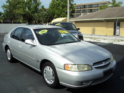 Photo 2001 Nissan Altima GXE - Silver - Manual