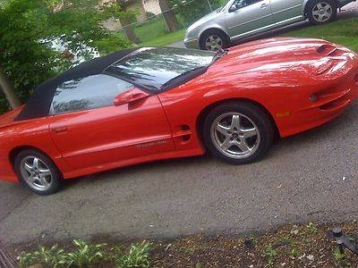 Photo 2001 RED PONTIAC TRANS AM WS6 RAM AIR BLACK CONVERTIBLE LIKE 2002