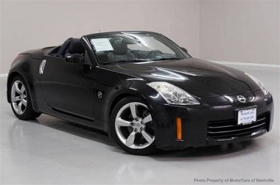 Photo 2008 Nissan 350Z Convertible 2dr Roadster Auto Touring Convertible
