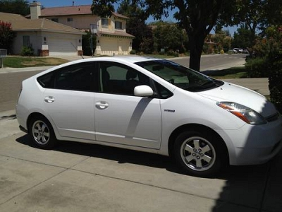 Photo 2009 Toyota Prius - Low miles, Clean Title, White, Great condition