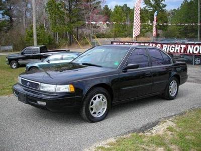 Photo 1993 Nissan Maxima Sedan GXE Sedan 4D