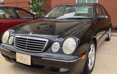 Photo 2002 Mercedes-Benz E320 Sedan, Black, Loaded  Priced To Move