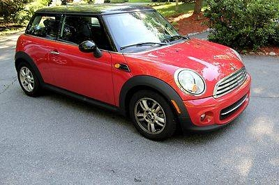 Photo Mini Cooper 2013- Red with Black hard top