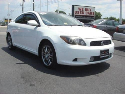 Photo 2008 Scion tC 2dr Car 2dr HB Man GS