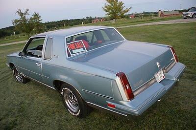 Photo 1987 Oldsmobile Cutlass Salon