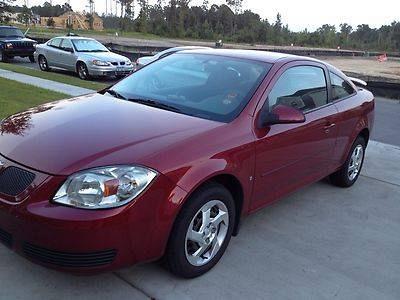 Photo 2007 Pontiac G5 Base Coupe 2-Door 2.2L