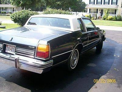 Photo 1985 Oldsmobile Delta 88 Royale Brougham Coupe 2-Door 5.0L