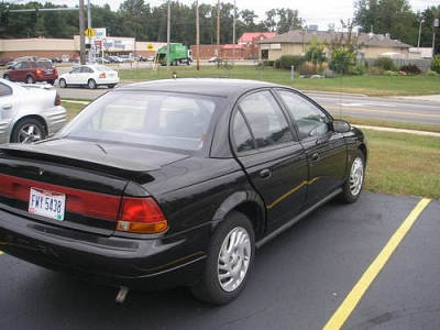 Photo 1998 Saturn Sedan - Black on Black - 138K Mi.