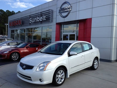 Photo 2010 Nissan Sentra Sedan 4dr Sdn I4 CVT 2.0 SL