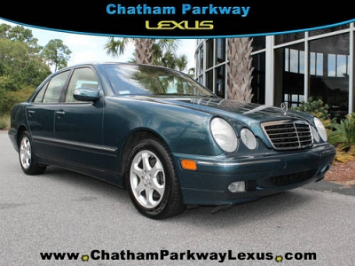 Photo 2002 Mercedes-Benz E-Class 4 Dr Sedan E320