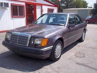 Photo 1992 Mercedes-Benz 300E 3.0