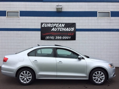 Photo 2013 Volkswagen Jetta SE,  Heated Seats, Glass Roof,  BlueTooth