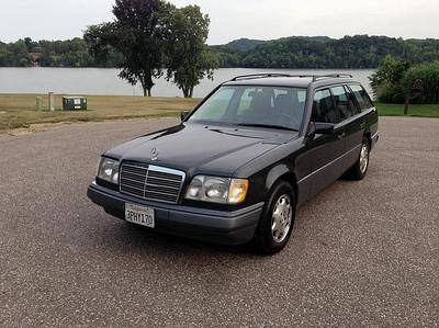 Photo 1995  Mercedes-Benz E320  Wagon 4-Door 3.2L 3RD SEAT