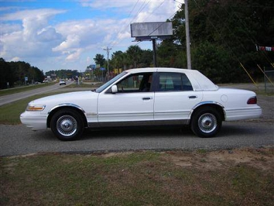 Photo 1995 Mercury Grand Marquis Sedan GS Sedan 4D