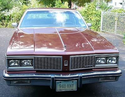 Photo 1984 OLDSMOBILE DELTA 88 ROYALE4D SEDANTOP CONDITIONCLASSIC CAR