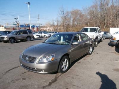 Photo 2005 Nissan Altima 2.5 S SUPER CLEAN RELIABLE GAS SAVER