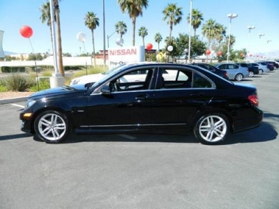 Photo 2012 MERCEDES BENZ C250 LUXURY SEDAN LIKE NEW CONDITION