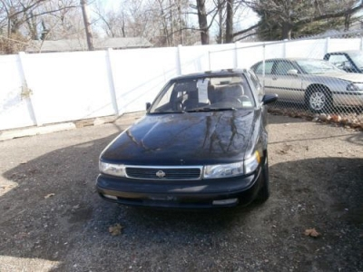 Photo 1994 Nissan maxima GXE AFFORDABLE 103K MILES