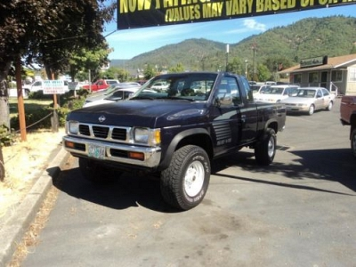 Photo 1993 Nissan Trucks SE