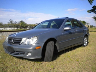Photo 2005 MERCEDES C320 4matic - Only 85k Miles Clean Title Like New